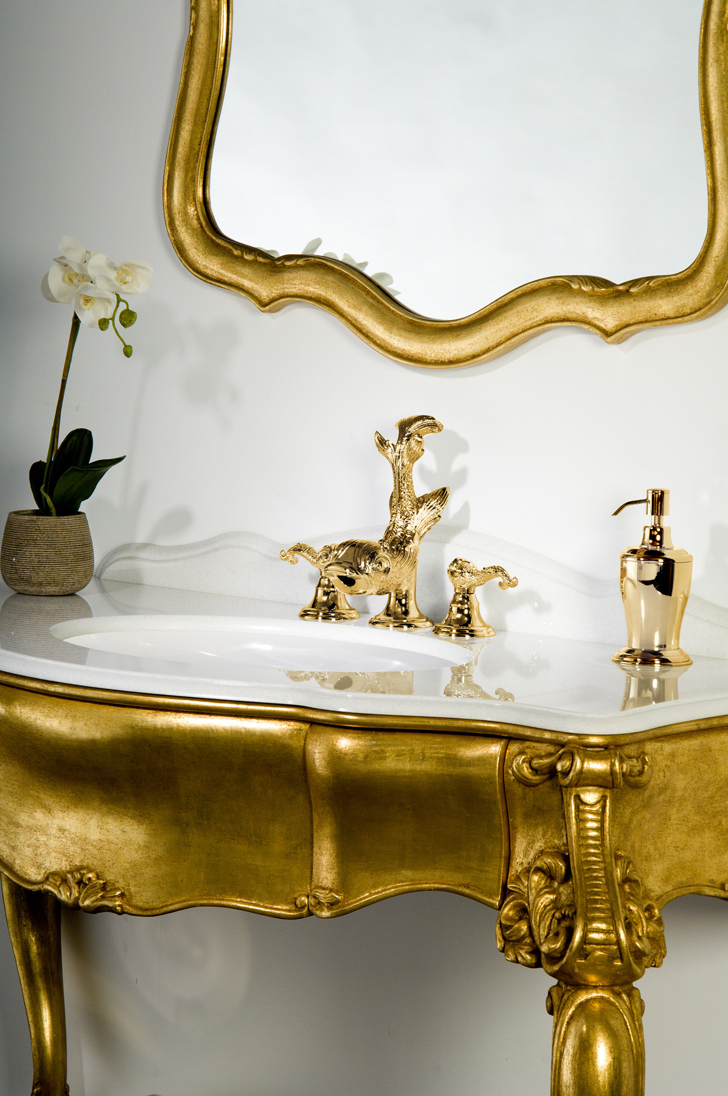Boutique mestre. A selection of elegant bathroom accessories in pure ...