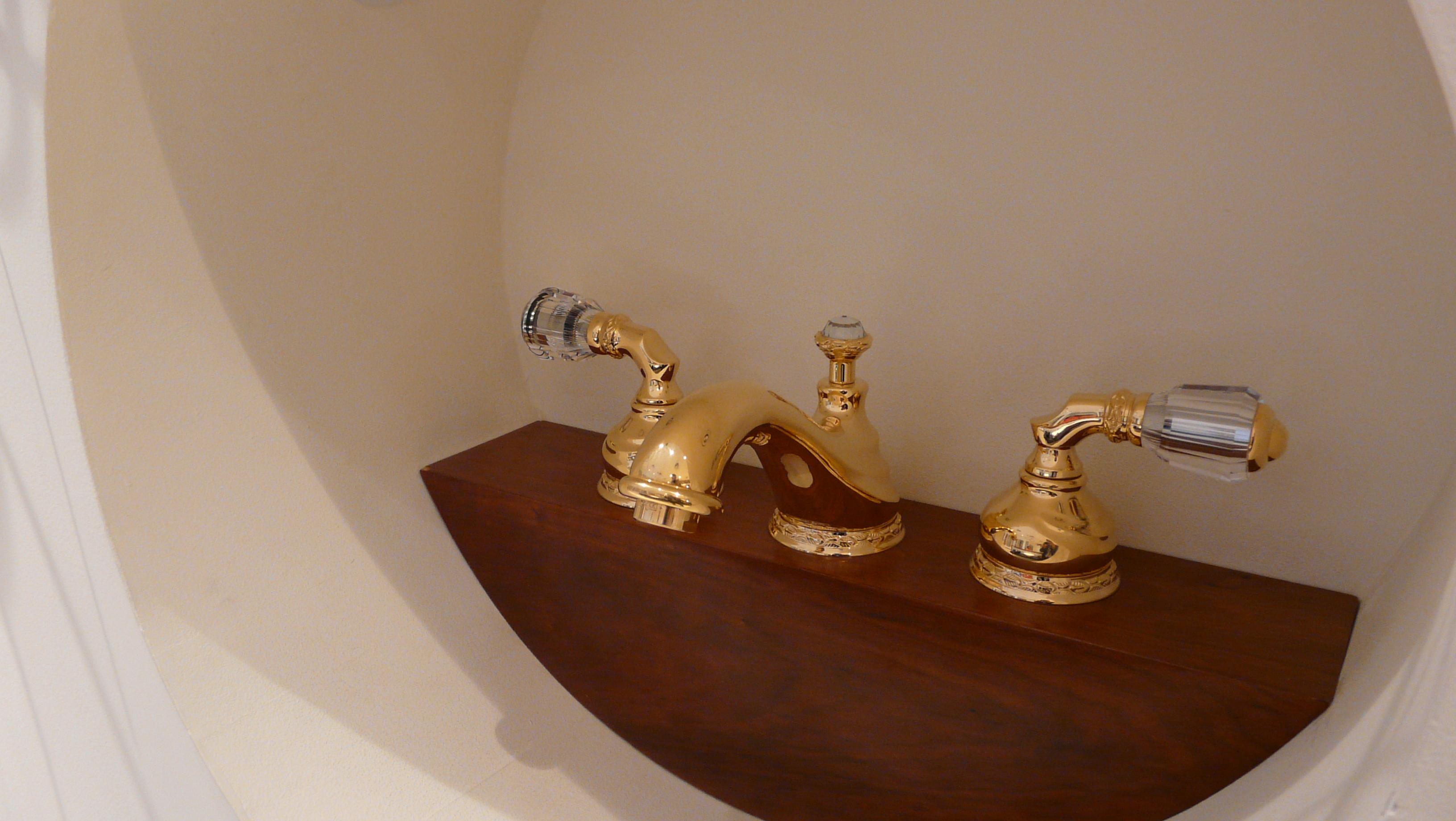 Mestre showroom in dubai 12 for Bathroom accessories uae