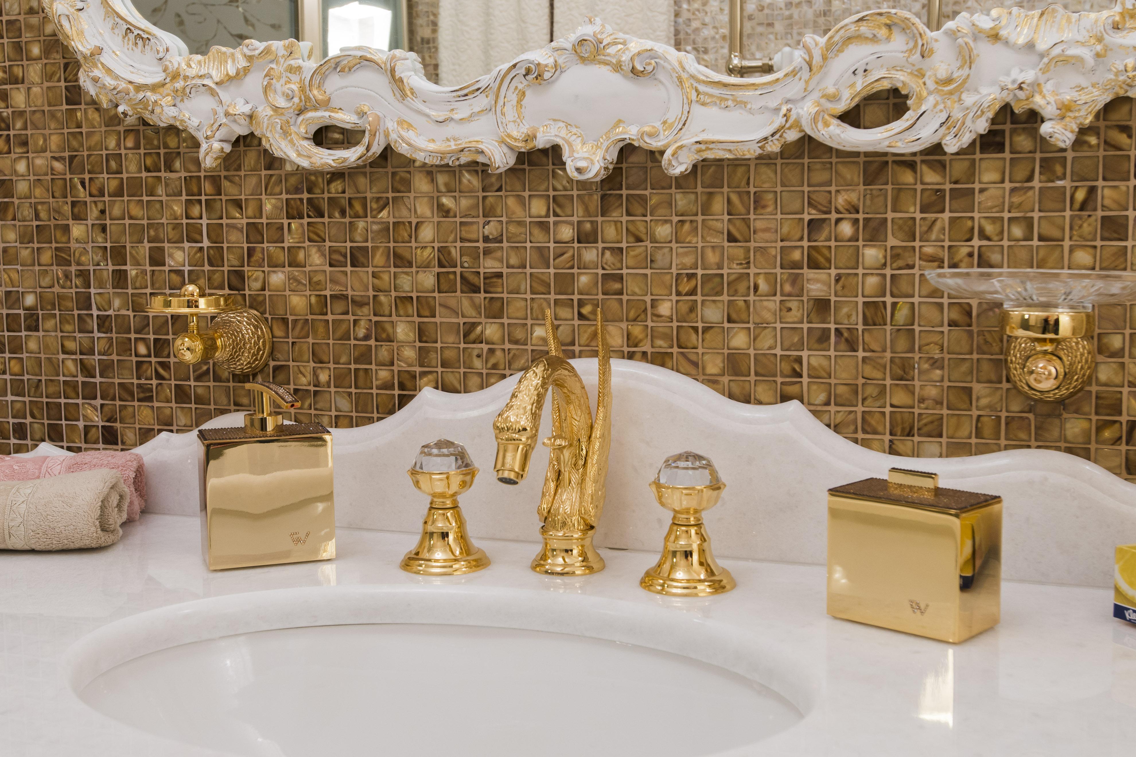 Luxury bathroom in kiev - Griferia de lujo ...