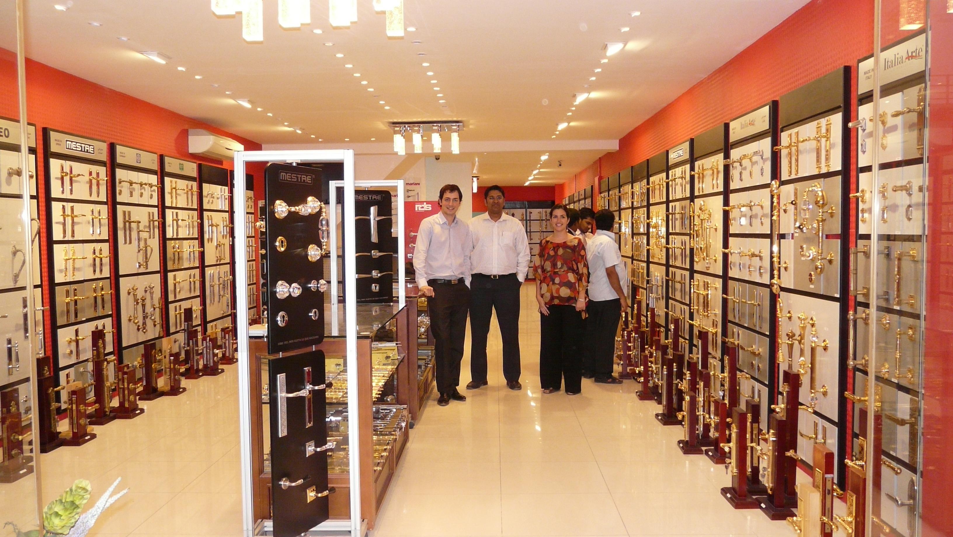 Exclusive door hardware and accessories in Qatar  Meeting in
