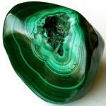 malachite-precious-stone-and-gold