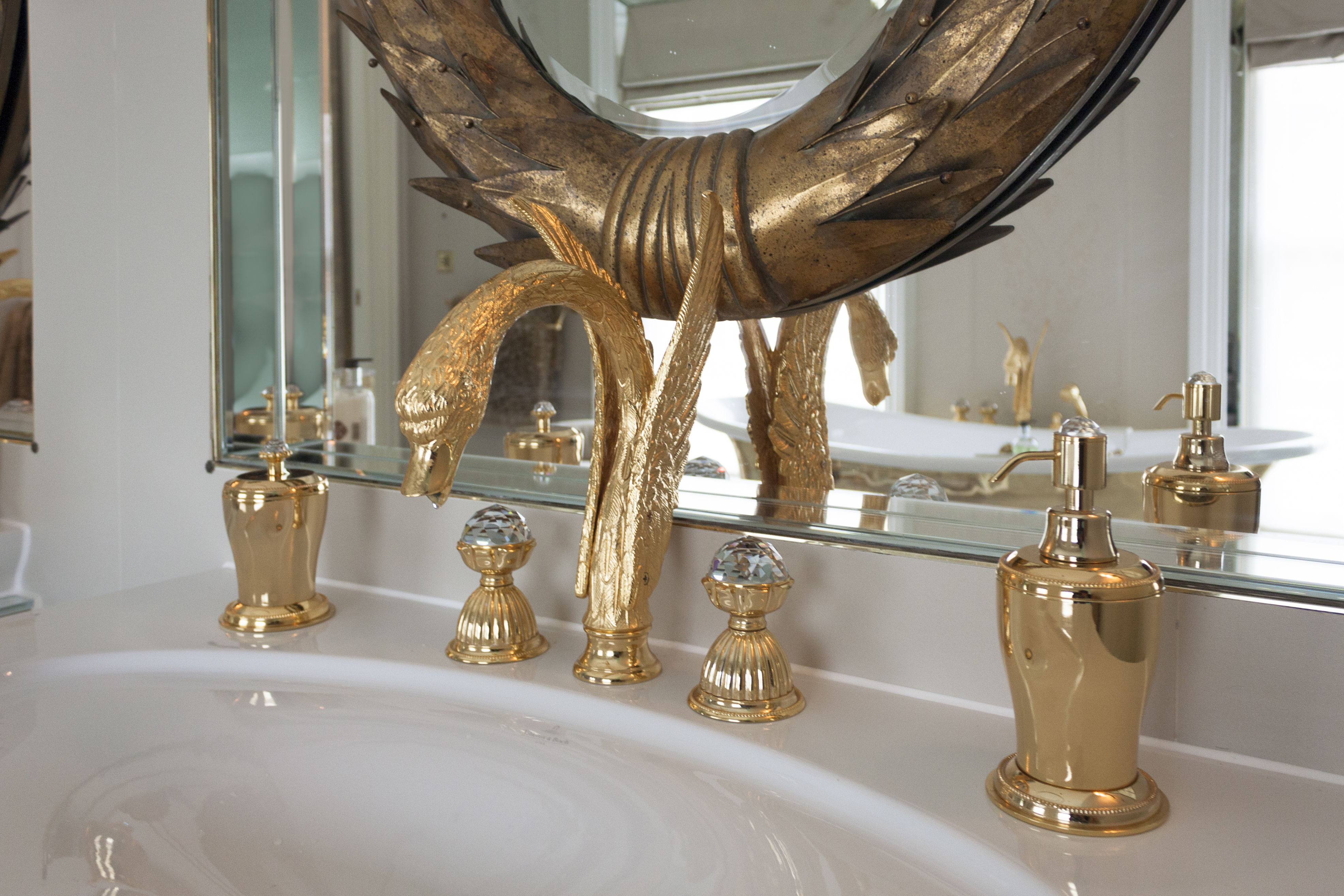 design-oriented bathroom fittings bronces mestre faucets swan